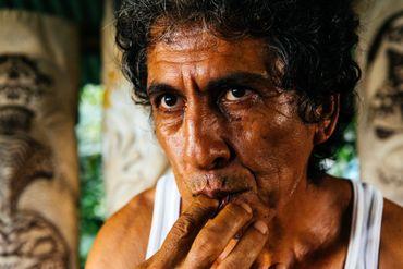 Après trois années d'addiction à la drogue, Jesus Armando Rivera a trouvé la paix dans la forêt. Il est devenu shaman.