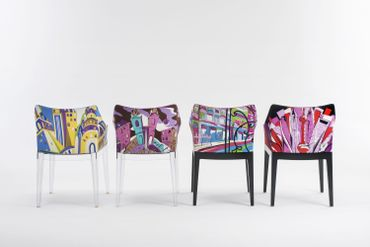 Le fauteuil Madame de Philippe Starck pour Kartel, revu par Pucci.