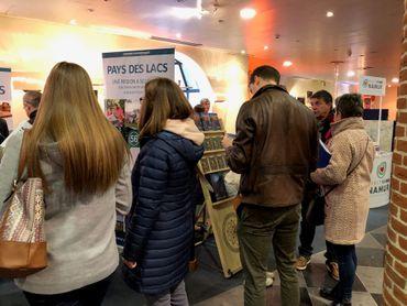 Voyager autrement: un festival de tourisme alternatif s'ouvre à Namur