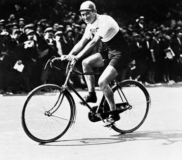 Henri Pélissier doit abandonner, au Tour 1919, mais gagnera en 1923