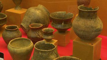 De nombreux aspects de lavie quotidiennedes Celtes  : l'habillement, l'habitat, l'outillage, le commerce, les pratiques funéraires, et plus encore…