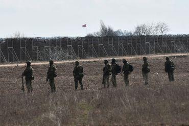 Soldats de l'armée grecque à la frontière turque, près de Kastanies, ce 2 mars