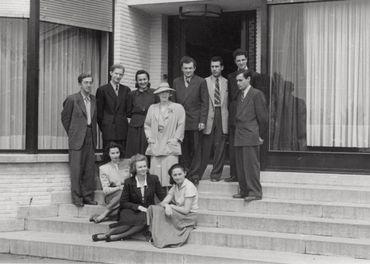 S.M. la Reine Elisabeth et les lauréats (1951)