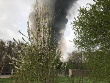 Incendie dans le centre de recyclage Van Gansewinkel à Wandre, vu depuis les quartiers alentours