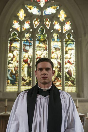 Dans l'épisode 4, Will se préparera à être intronisé comme nouveau Vicaire de Grantchester