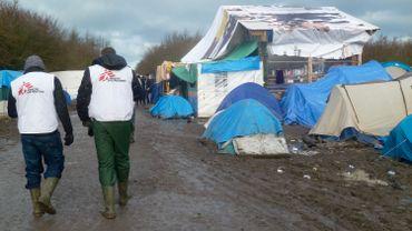 L'équipe de Médecins sans Frontières effectue des rondes fréquentes dans le camp.