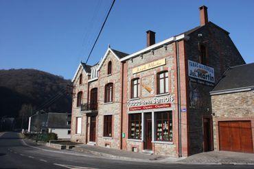 Les tabacs de Xavier Martin, le dernier producteur – planteur de tabac sur la commune de Vresse, à Bohan.