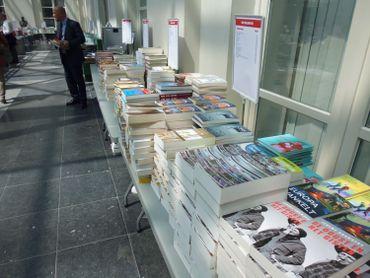 Des livres en français mais aussi en néerlandais