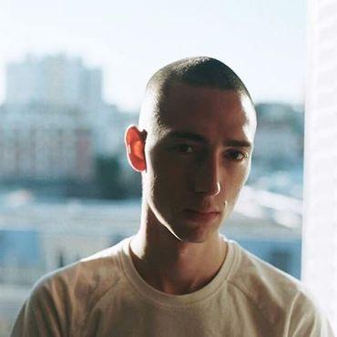 L'auteur, Simon Johannin.