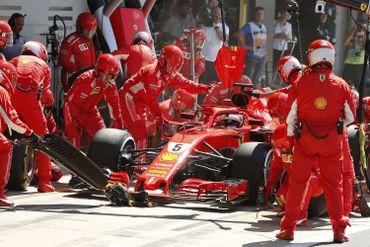 Le changement de pneus de Sebastian Vettel