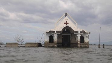 Philippines: des villages entiers s'enfoncent dans la terre