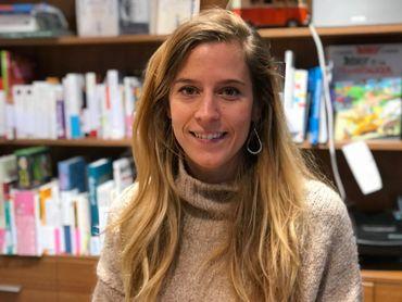 Kelly, libraire chez Mot Passant