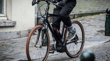 Le vélo électrique rencontre un succès grandissant en Belgique.