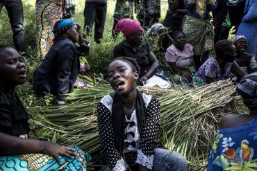 Une femme pleure la mort d'une proche à Beni, le 12 novembre 2019.