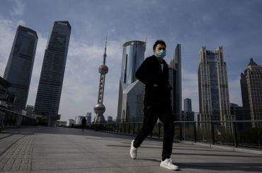 Joggeur à Shangai, en Chine, le 10 février