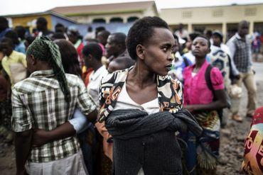 Une femme lors d'une marche de soutien au candidat du Parti des Verts Democratic Rwandais Frank Habineza à Burera.