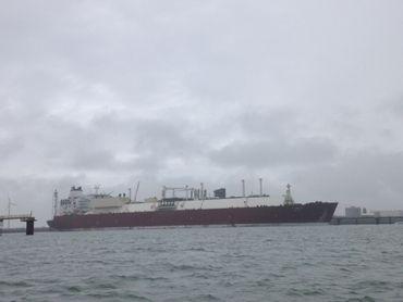 Le méthanier Al Oraiq a été ramené à Zeebruges