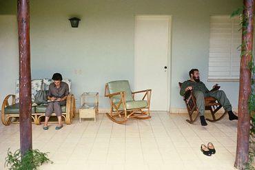 Fidel Castro se relaxant sur L'Ile des Pins