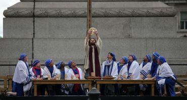 Vendredi Saint: petite galerie de processions européennes pour Pâques