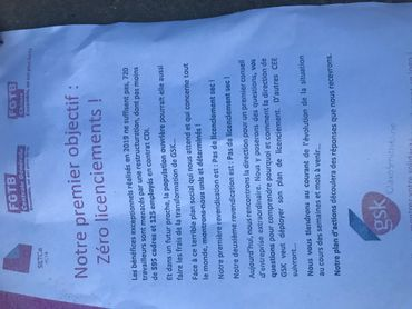 Actions syndicales devant les trois sites wallons de GSK