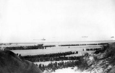 """400 000 de soldats sont présents dans la """"poche de Dunkerque"""""""