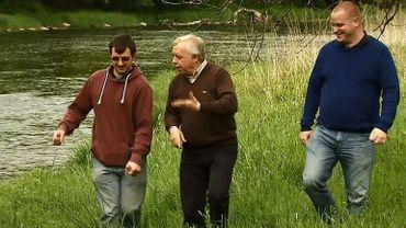 Guy Lemaire accompagné de Greg et Arnaud, deux amis malvoyants