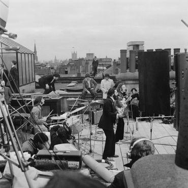 Concert sur le rooftop du numéro 3 de Savile Road, où ce trouvait la maison d'Apple, à Londres, le 30 janvier 1969.