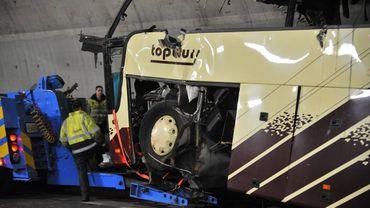 Le car accidenté en Suisse - © AFP PHOTO / SEBASTIEN FEVAL