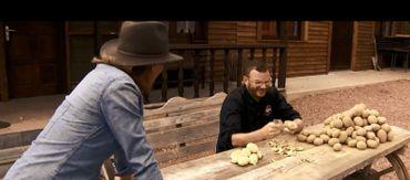 """Notre Chef à la corvée """"patate"""" à Western City !"""