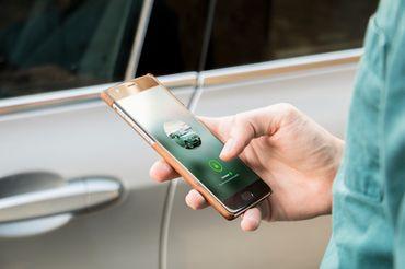 Un utilisateur de Drivy qui cherche une voiture via l'application