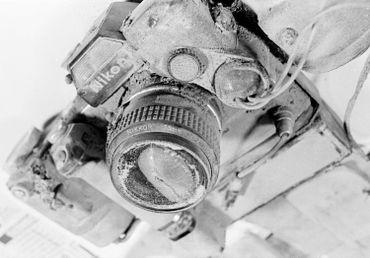 L'appareil photo de Reid Blackburn, retrouvé après l'éruption.
