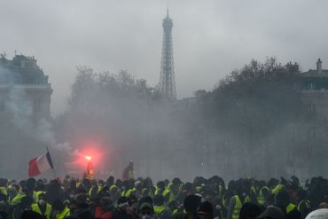 La Tour Eiffel était fermée comme d'autres lieux touristiques, culturels et commerciaux de Paris.