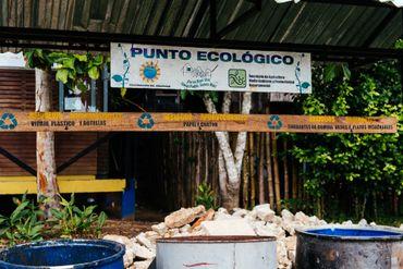 Tri et recyclage obligatoires dans tout le village sous peine d'une lourde amende.