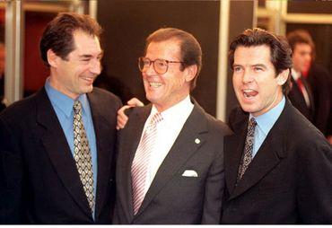 Timothy Dalton, Roger Moore et Pierce Brosnan, trois générations de James Bond réunies en 1996