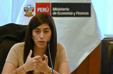 La ministre péruvienne de l'Économie et des Finances Maria Antonieta Alva lors d'une conférence de presse à Lima, le 20 janvier 2020.
