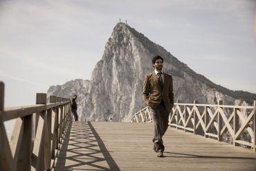 Gilles Lellouche infiltré dans les coulisses des douanes à Gibraltar