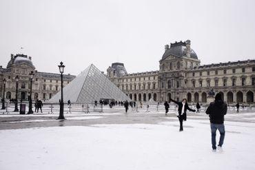 Cour du Louvre sous la neige, ce 1er mars