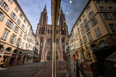 Centre-ville de Strasbourg et sa cathédrale gothique, durant le confinement, en mars dernier