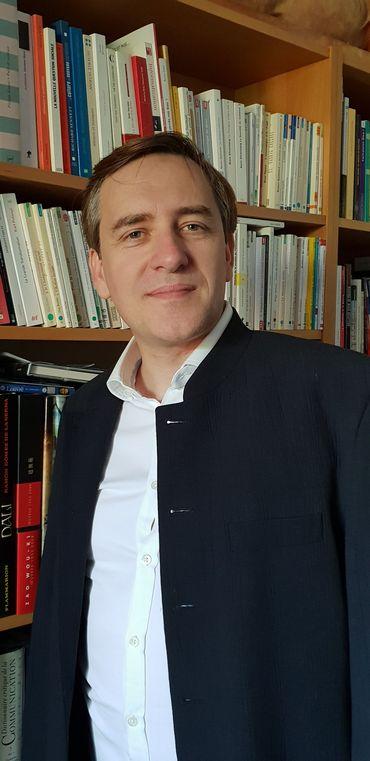 Arnaud Mercier, Professeur en communicationUniversité Paris 2-Panthéon Assas