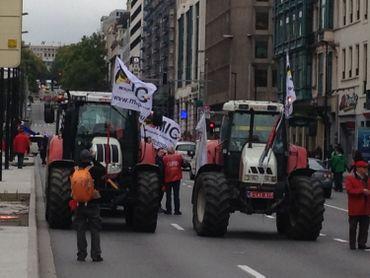 Manifestation nationale: 70 000 de personnes selon les syndicats, des dockers repoussés