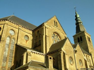 Le Belvédère de Florenville, situé au sommet de la tour de l'église néo-gothique Notre-Dame de l'Assomption (1873).