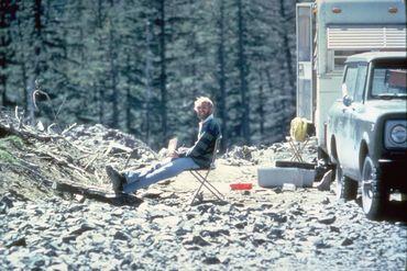 David Johnston était le volcanologue de faction ce 18 mai 1980, il le paiera de sa vie. Jamais son corps ne sera retrouvé, sans doute balayé par l'éruption latérale.