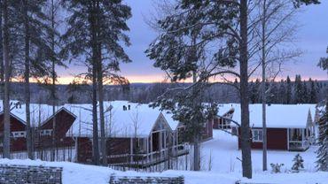 Tourisme de Noël en Laponie: le Père Noël rapporte de l'argent mais inquiète à la fois