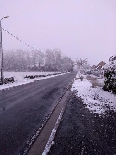À Verviers, les routes sont dégagées mais la neige est bien là