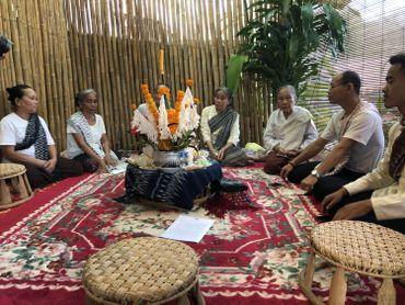 Ethnomusicologue, Marie-Pierre bosse au Laos