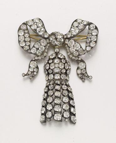 Broche en diamant datant du milieu du XIXe siècle estimée entre 25.000 et 35.000 livres.