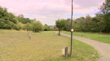 La prairie qui ne pourra pas être utilisée par les campeurs sous tente cette année.