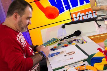 Le caricaturiste Pad'R a couché chaque jour sur papier un instantané de la vie dans le cube.