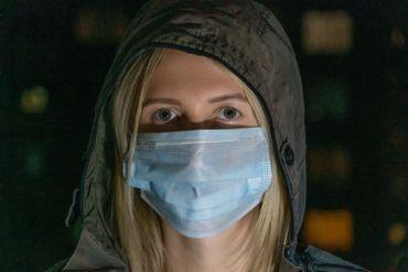 Incontournable desvilles asiatiques, avant même l'épidémie de Coronavirus, le masque sanitaire n'est efficace que dans certaines circonstances bien spécifiques.