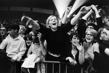 Fin des années 60, après des années de Beatlemania frénétique, le groupe ne joue plus devant public, et se concentre sur les albums studio